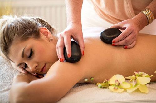 Massage, Hot Stone Massage, Physio Plus, Widnau, Masseuer, Massage Studio, St. Galler Rheintal