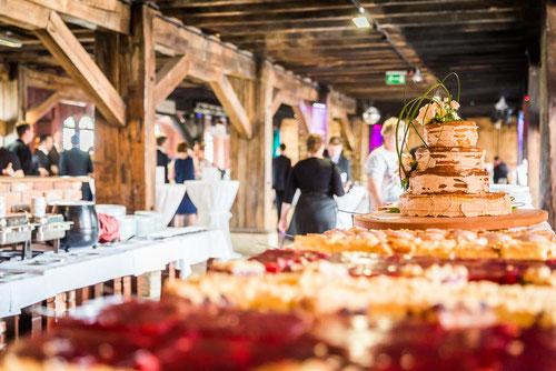 Hochzeitsfeier in der Alten Ölmühle in Wittenberge. Hochzeitsfotograf mit Fotostudio.