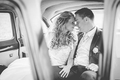 Heiraten im Standesamt Perleberg. Hochzeitspaarshooting im Kuhstall Dahse in Glövzin. Hochzeitsfotograf aus Wittenberge.