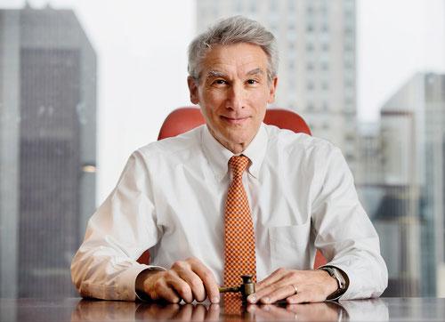 Stephen M. Harnik ist Vertrauensanwalt der Republik Österreich in New York. Seine Kanzlei Harnik Law Firm berät und vertritt unter anderem österreichische Unternehmen in den USA. (www.harnik.com)