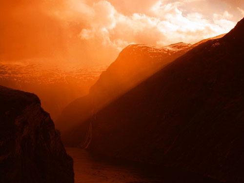 Abendlicht am Geiranger Fjord