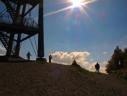 drei-geschössiger Aussichtsturm auf dem Schauinsland 1.284 m