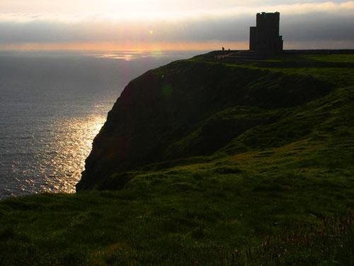stimmungsvoller Sonnenuntergang mit dem 0´Brien Tower (früher Wachturm)