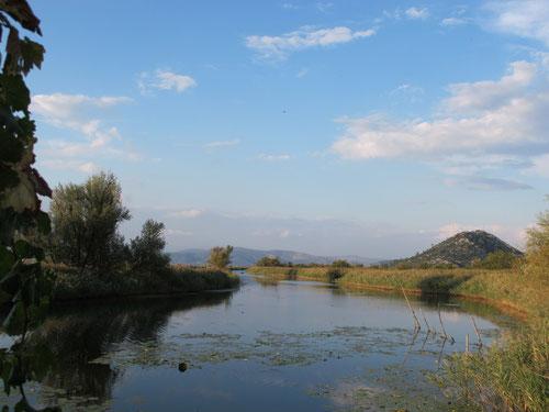 weitläufige Kanal-Landschaft bei Metcovic