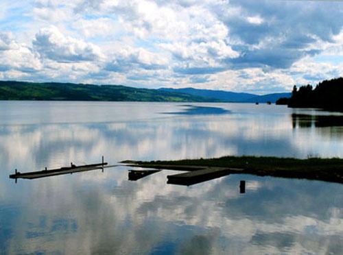 die langgezogene Seen-Platte am Sperillen - 80 km vor Oslo