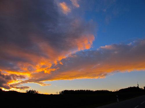 der letzte Sonnenuntergang auf unserer Reise hatte begonnen