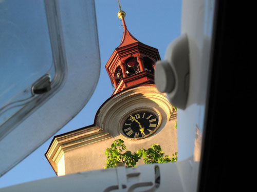 Die Turmuhr - ein origineller Wecker im Riesenformat