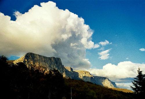 wie das Esterell-Gebirge an der französischen Riviera
