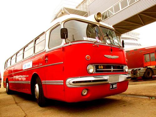 Oldtimer-Bus - auf der Fähre nach Helsinki
