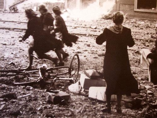 Bomben-Chaos in den Städten hinter der Front