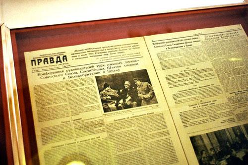 die Original-Zeitung (Prawda) von Februar 1945