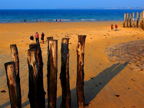 zusammen mit den Bewohner von Saint Malo flanierten wir über den festen und angenehmen Sandboden