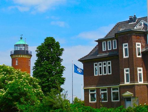 Leuchturm und Seemannheim in Cuxhaven