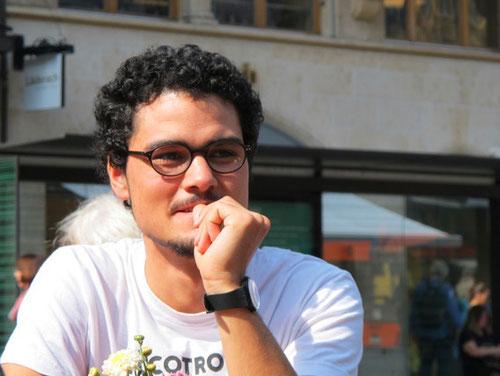 in Basel machte uns dieser junge Mann, auf wichtige Sehenswürdigkeiten aufmerksam