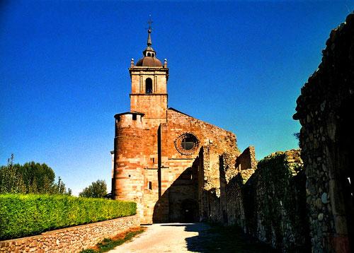 eine alte Kirche - noch unrenoviert