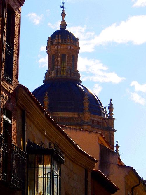 Kuppel-Silouette der alten Kathedrale