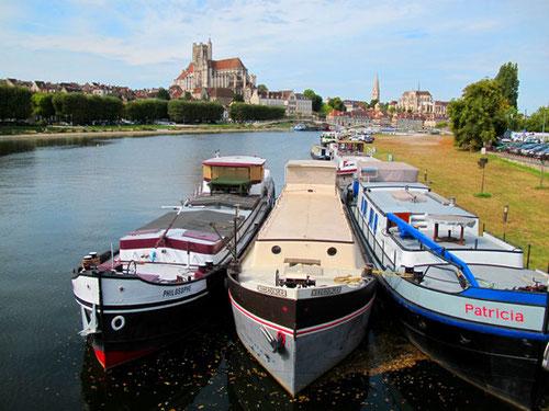 der Canal du Nivernais mündet hier in die Yonne