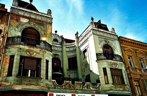 eine palastähnliche Prunk-Fassade aus der Gründerzeit