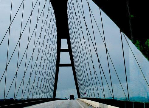 die filigrane Hängebrücke nach Fehmann