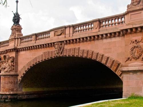 historische Brücke über die Spree