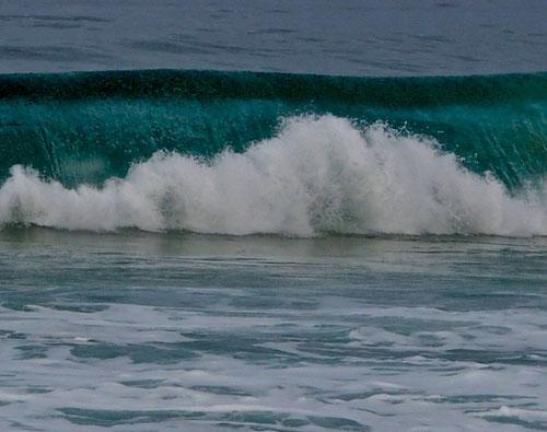 rauschende Atlantik-Brandung am Morgen