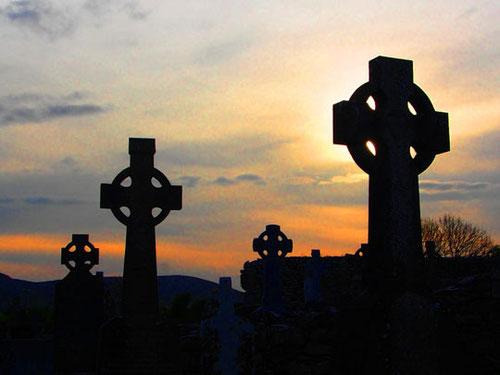 noch heute wird dieser Friedhof von den Einheimischen genutzt und besucht