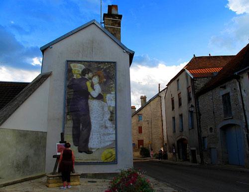 Im Renoir-Dorf wird auch auf der Strasse gemalt