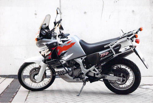 Foto of my Africa Twin taken 1998