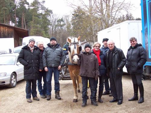 Gruppenbild mit Hans-Peter Schmidt, Präsident des Bayerischen Reit- u. Fahrverbandes