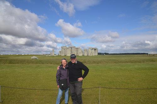 """29.07.2015: Wir fuhren früh los, unser erstes Ziel """"Stonehenge"""" eine heilige prähistorische Stätte, deren Ausrichtung sich nach dem Lauf der Sonne richtet."""