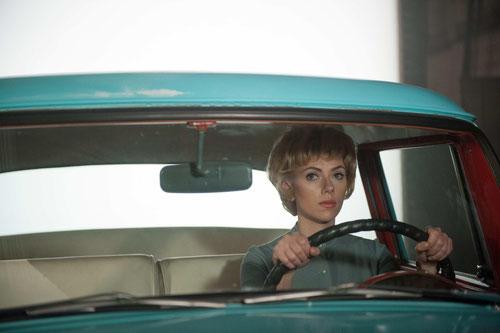 Scarlett Johansson joue Janet Leigh, tuée sous la douche au bout d'une demi-heure dans PSYCHOSE (©20th Century Fox)