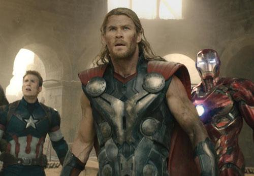 """Thor, Iron Man, Captain America et les autres sont de retour pour un """"Avengers: L'Ère d'Ultron"""" réussi (©Marvel 2015)."""