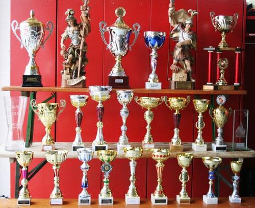 Pokale der Bewerbssaison 2011