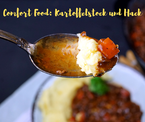 Kartoffelstock, soll heißen Püree, und Hackfleischsauce mit Schokolade und Wein