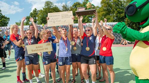 AHA Salzland 06 gewinnen das Frauen-Turnier FOTO Tilo Weiskopf, megawoodstock