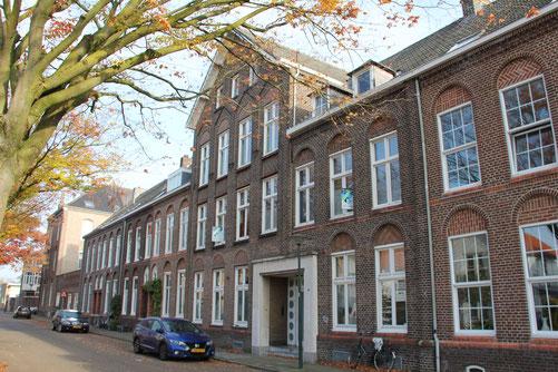 Frans Douvenstraat 9-11 Roermond huisvesting personeel atelier Cuypers Stoltzenberg rijksmonument en gemeentelijk monument