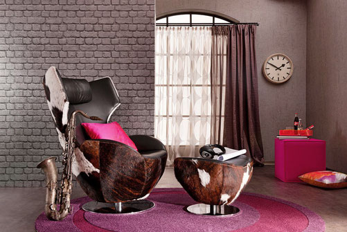Relaxsessel LUC bezogen mit dreifarbigem Kuhfell