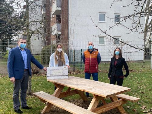 Herr Kary (UPS), Frau Sachs (kommissarische Schulleitung), Herr Blatt (Förderverein) und Frau Dillschneider (UPS)