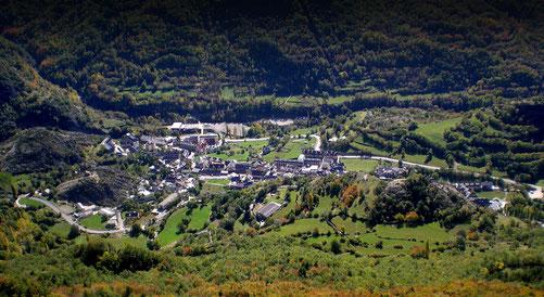 спортивные сборы в испании, тренировочные сборы в горах, бассейн на высокогорье, спорт в пиренеях