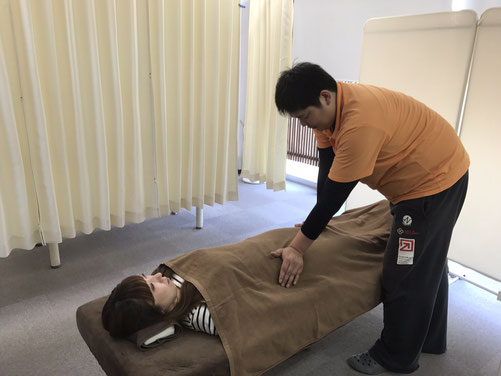 松山市産後の骨盤矯正あさひ整体院の矯正方法は、他と一味違う。