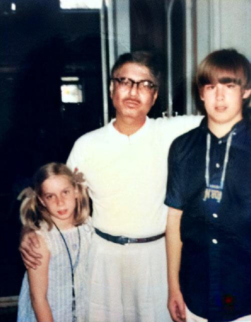 1969, India  : Gregg with his sister Leslie and Eruch Jessawala