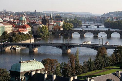 Die Moldau in Prag / © Wikipedia, Urheber: che