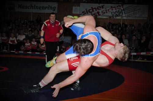 Daniel Gastl gelang ein toller Wurf gegen Ludescher
