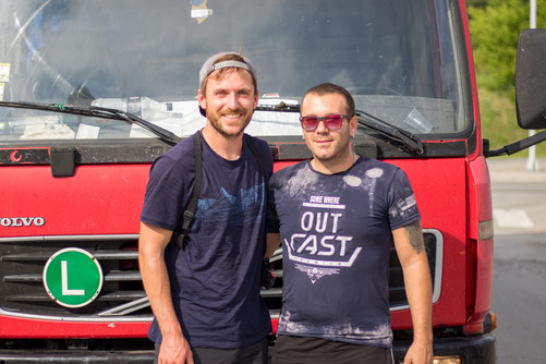 Bastian and truck driver Ivan in Pirot, Serbia