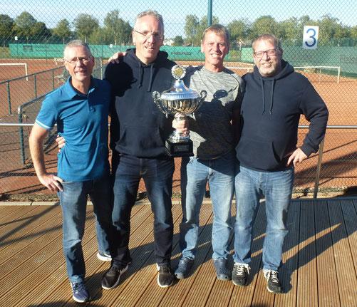 Von links: Dirk Trombern, Matthias Kemper, Rainer Evermann und Sportwart Sven Deimel