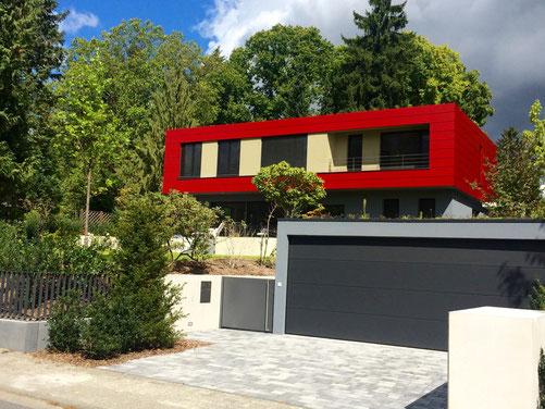 Sole-Wasser-Wärmepumpe, kontrollierte Wohnraumlüftung, moderne Architektur