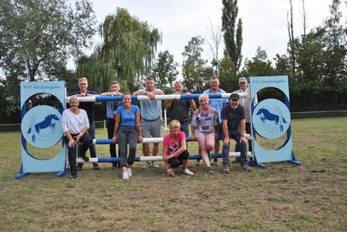 Hatte drei Tage lang alle Hände voll zu tun: Die Parcours-Mannschaft des RFV Westeregeln.