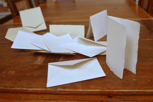 Handgeschöpfte Faltkarten und Kuverts