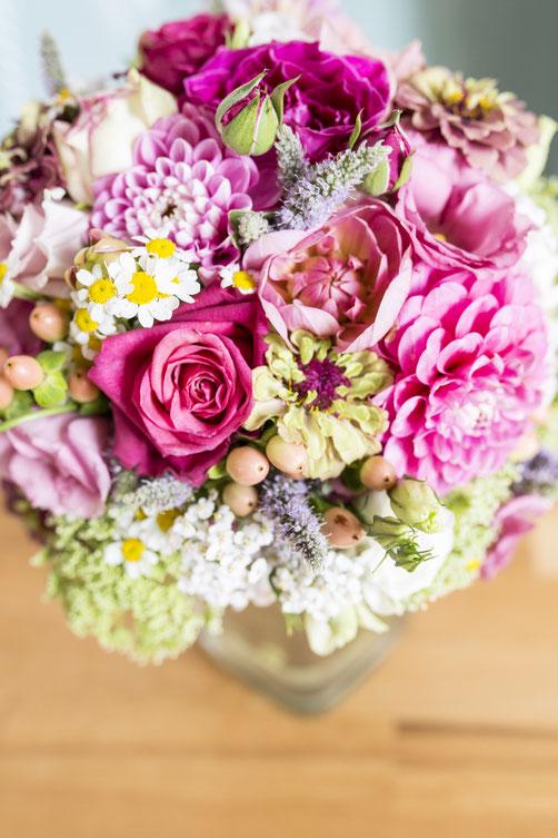 Die Blumenauswahl haben wir passend zur Jahreszeit getroffen. Alles was der Spätsommer zu bieten hat.