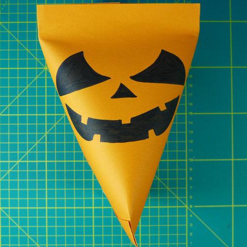 Halloween - Süßes oder Saures - Süßigkeiten schön verpackt - DIY-Projekt